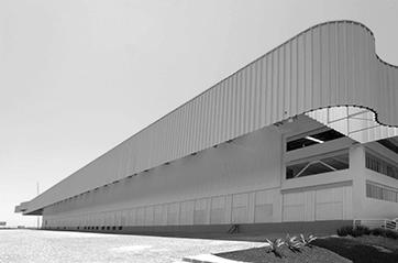 GBArmazéns Imagem fachada armazém preto e branca